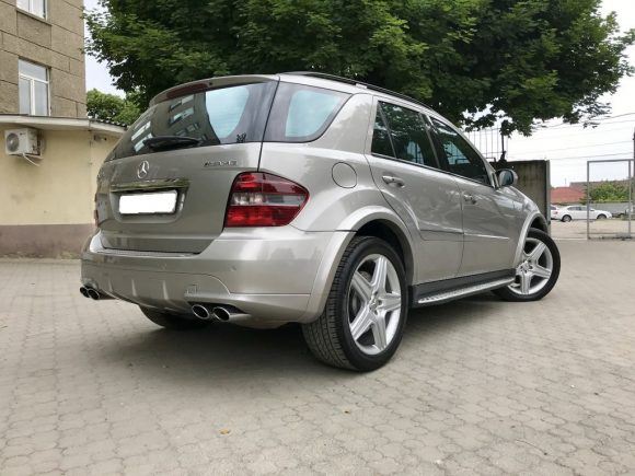 Mercedes ML 6.3 AMG rear